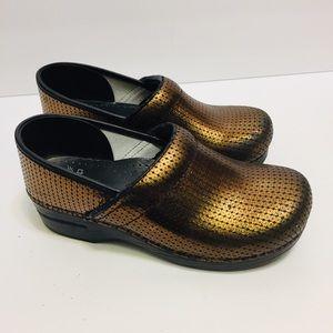 Dansko Gold Clogs. Size 40